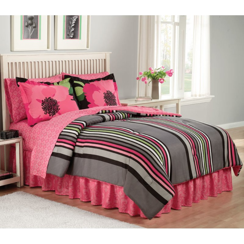 Nice Pink u Black Bedding