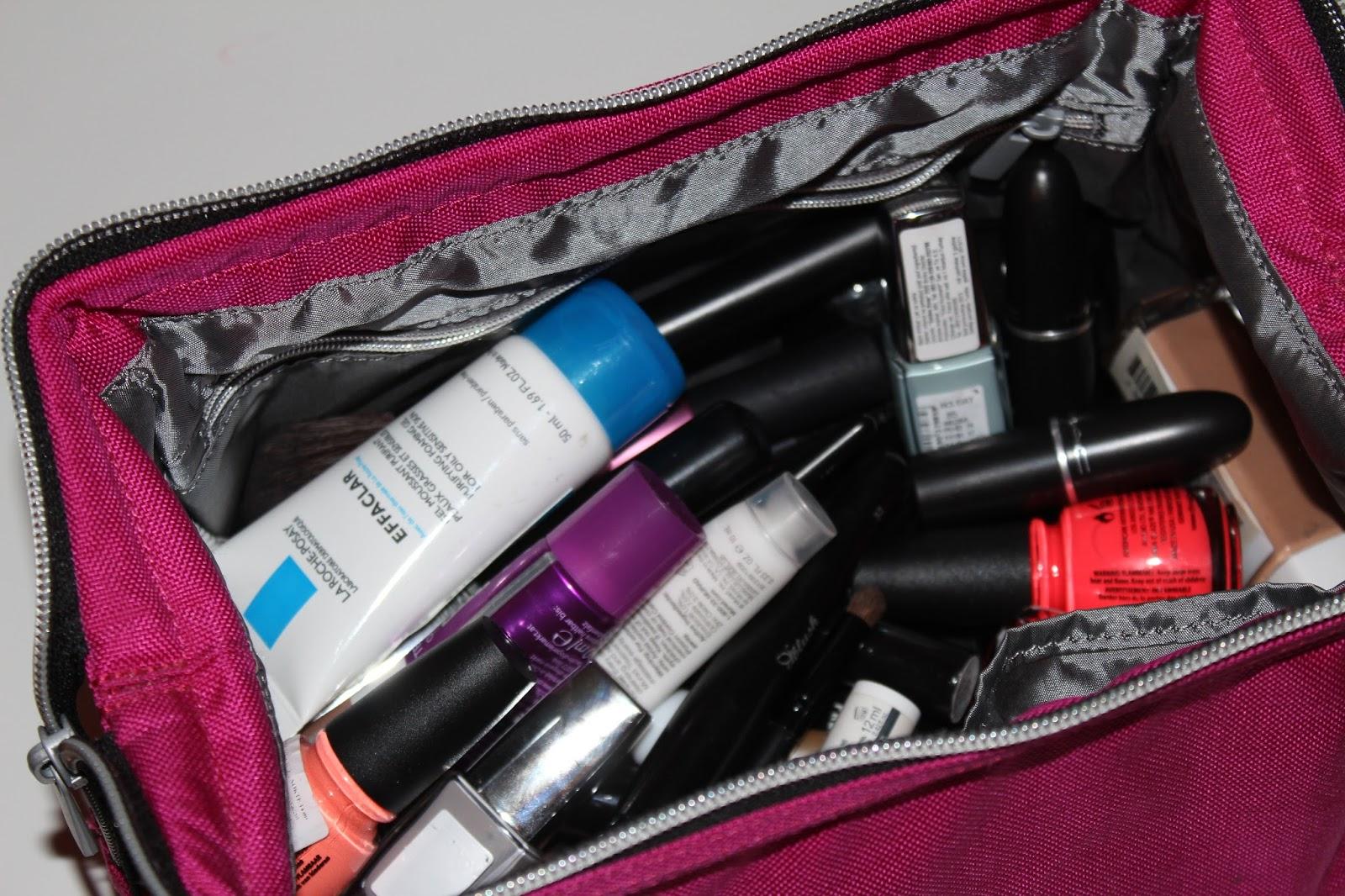Šta od šminke nosim na put?
