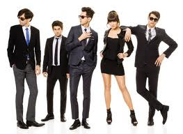 Cobra Starship You Make Me Feel Letra Traducida