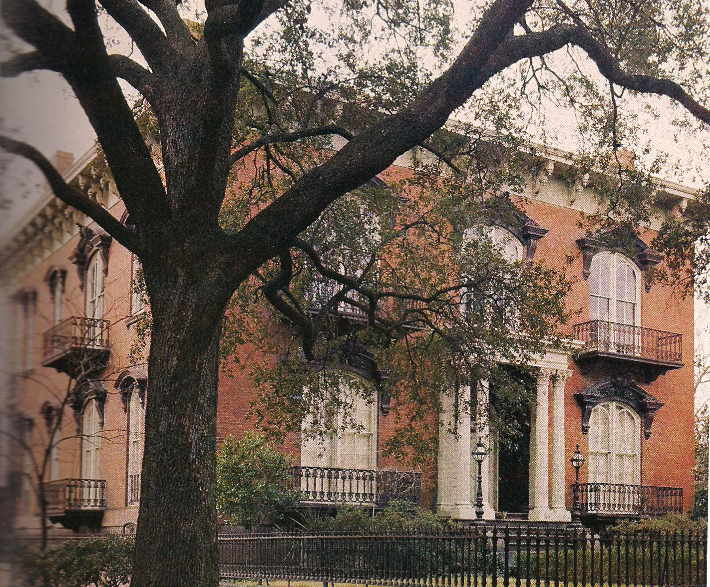 The Devoted Classicist: Notable Homes: Mercer House