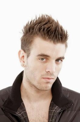 model potongan rambut pria jabrik tengah