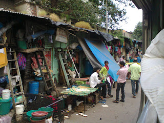 People living in jhuggi at byculla