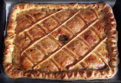 Empanada gallega casera de pollo y shiitake