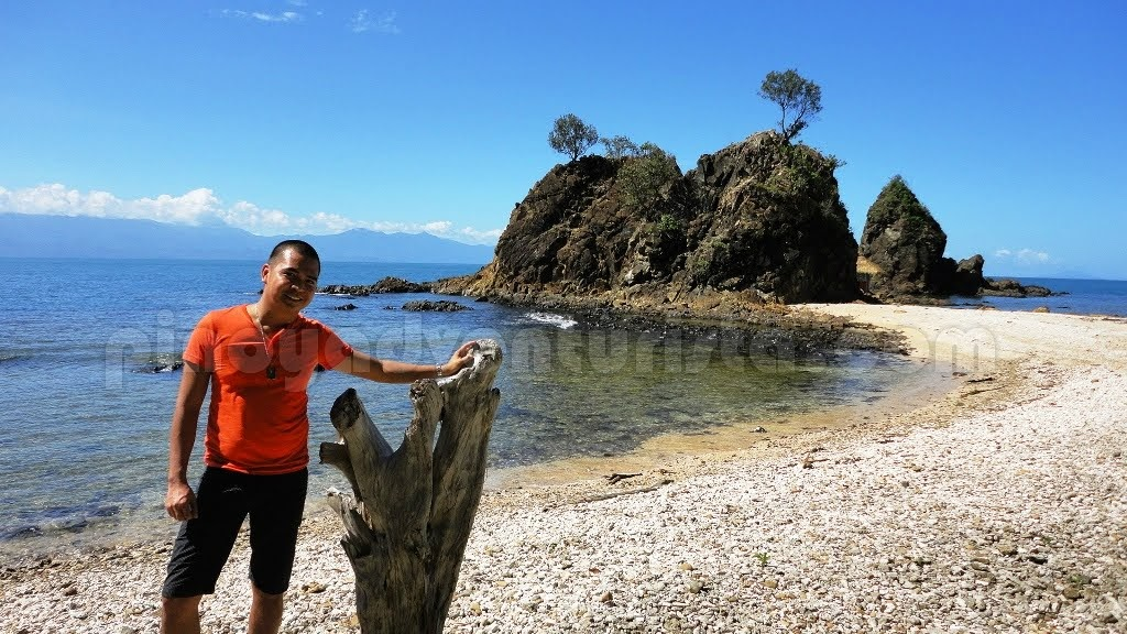 baler aurora diguisit rock formations ermita hill and
