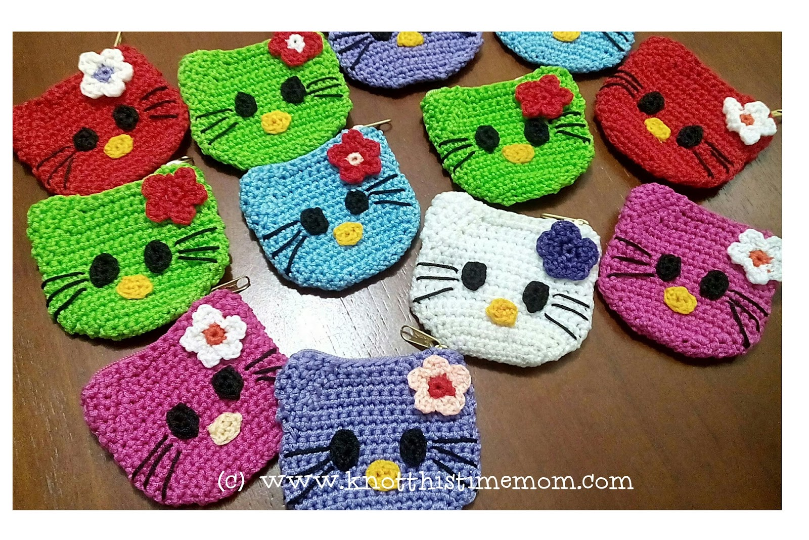 Crochet Purse Patterns Hello Kitty : Knot This Time Mom!: Hello Kitty Change Purse