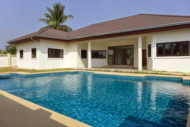 http   www fivestarvillasandcondos com Property House For Sale Pattaya 12500   Please contact Robert on 08 1938 8391 for a viewing. Houses for Sale In Pattaya Thailand by a QUALIFIED broker