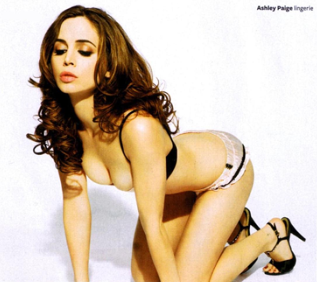 Alison Brie Maxim Hot