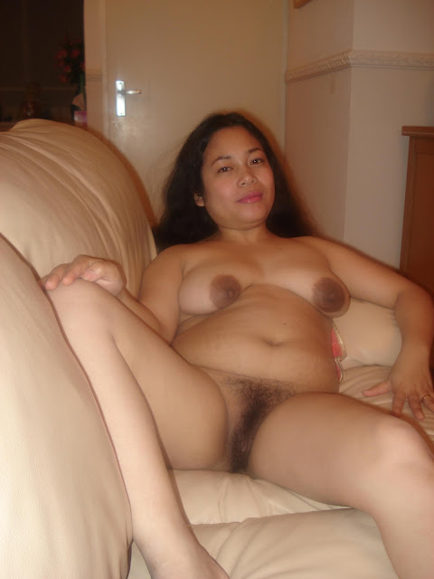 Filipina Pregnant mom's dirty naked self photos leaked (6pix)