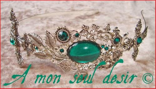 Serre-tête gothique victorien romantique croix argentées bijou cheveux coiffure vert émeraude emerald silver cross gothic goth gothik victorian romantic headband headdress