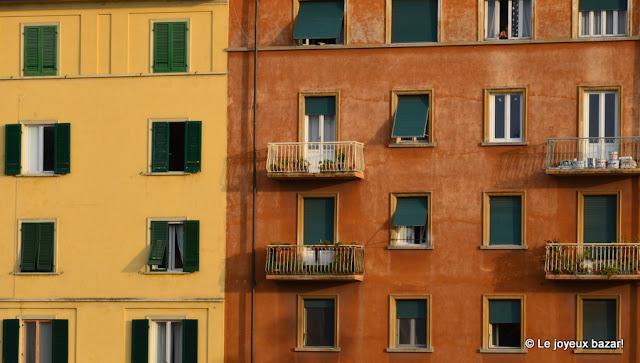 Pise - façade le long de l'Arno