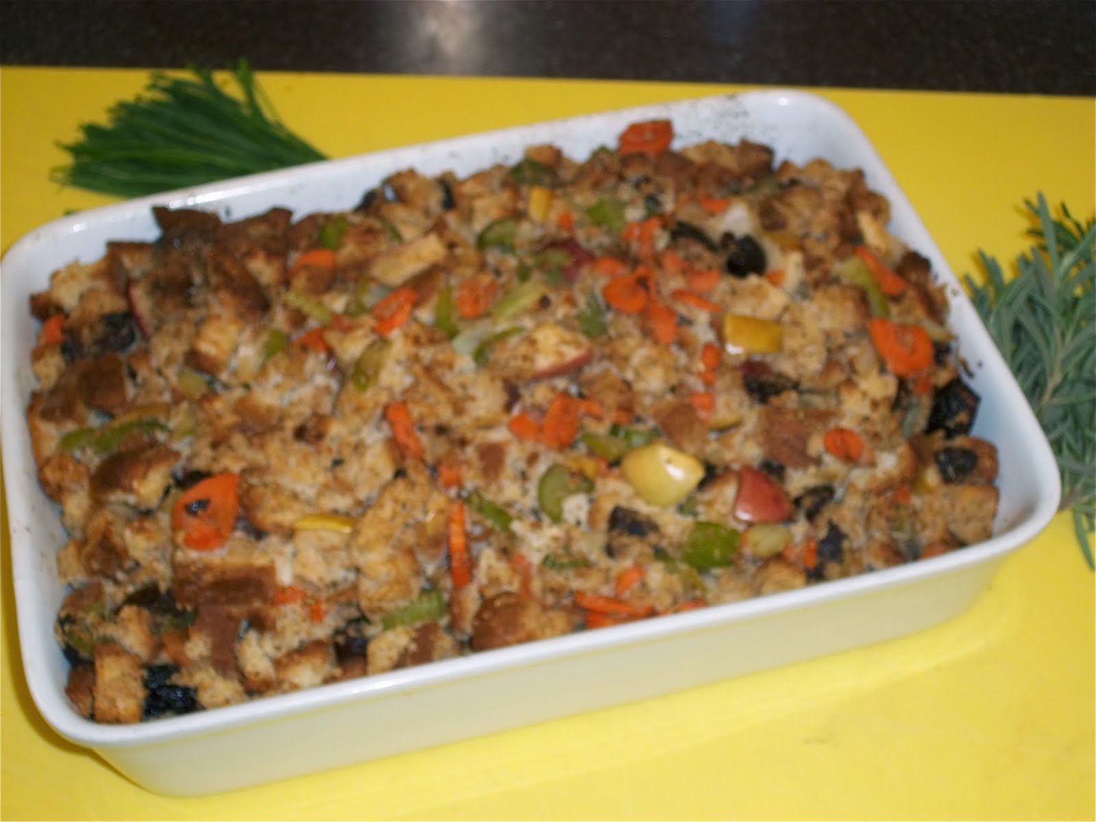 Gluten-Free Fig, Apple, and Sage Stuffing (Meatless Monday) - The ...