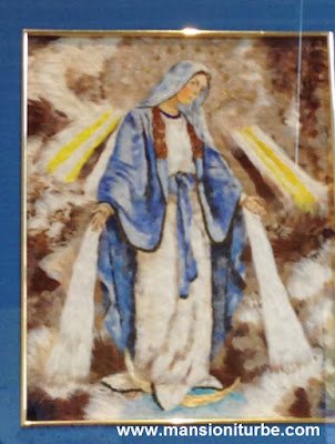 Virgen de la Medalla Milagrosa: Técnica Arte Plumario