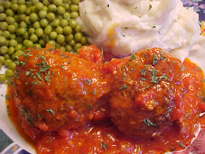 Mes boulettes au boeuf et aux saucisses italiennes avec une délicieuse sauce aux tomates