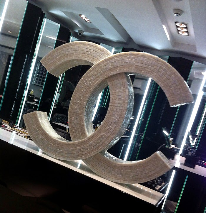 CHANEL-POP-UP-STORE-MADRID-TALESTRIP