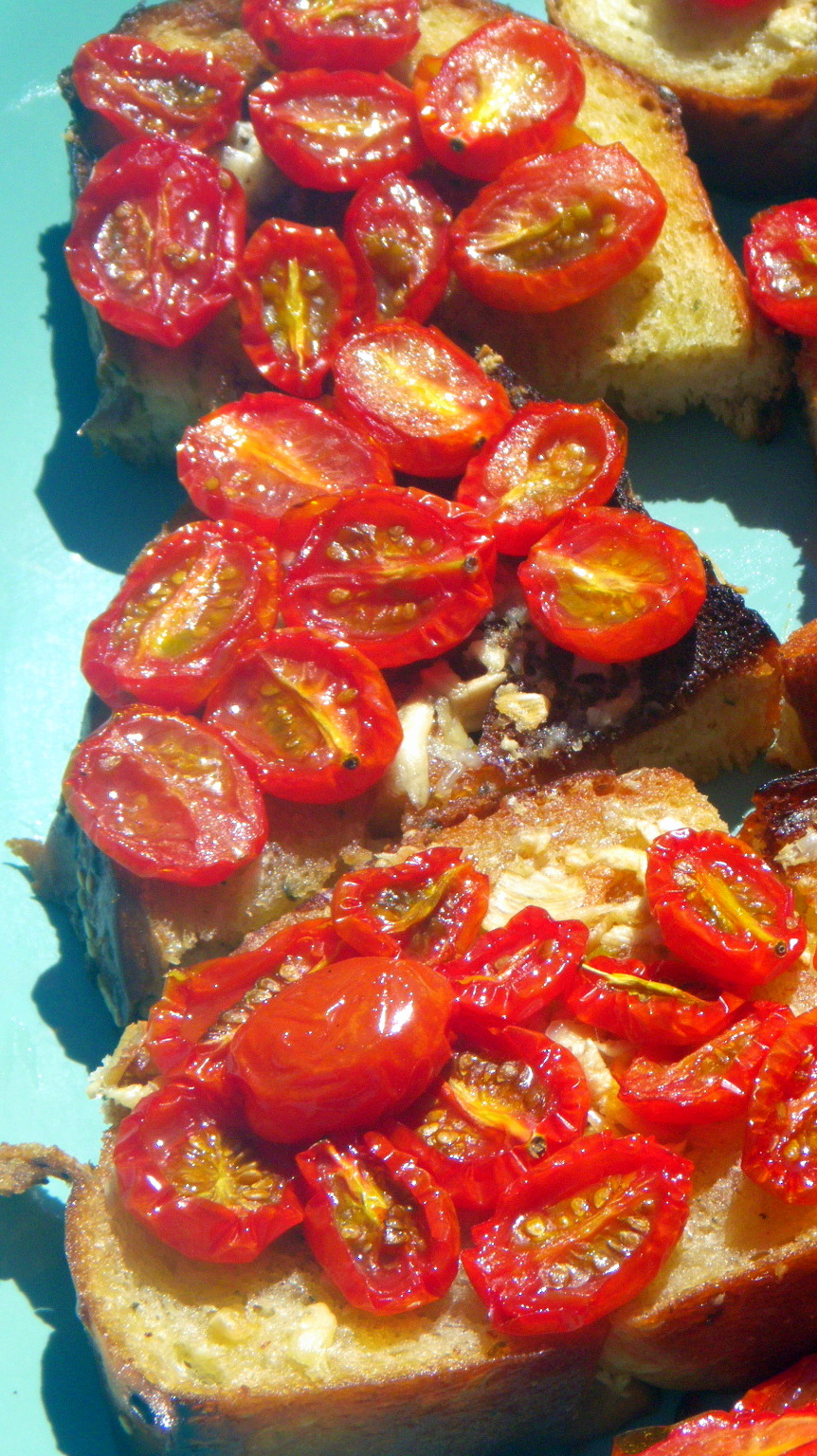 Roasted Garlic and Tomato Bruschetta (L'aglio e il pomodoro Arrosto ...