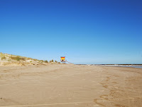 paisaje playa uruguay  guardavidas