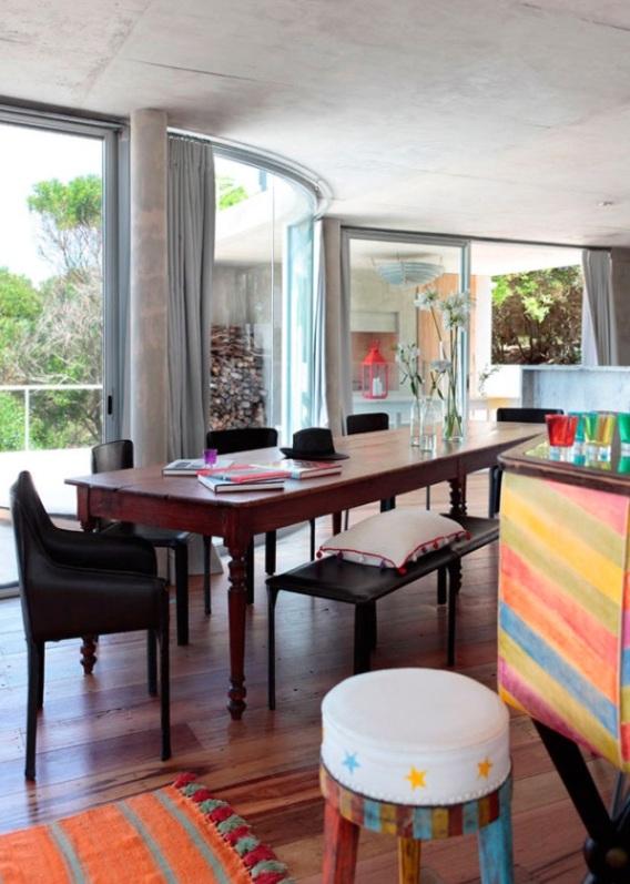 Blog de decoracion chic and deco os muestra casa de diseño abierto con un interior vitalista y colorido