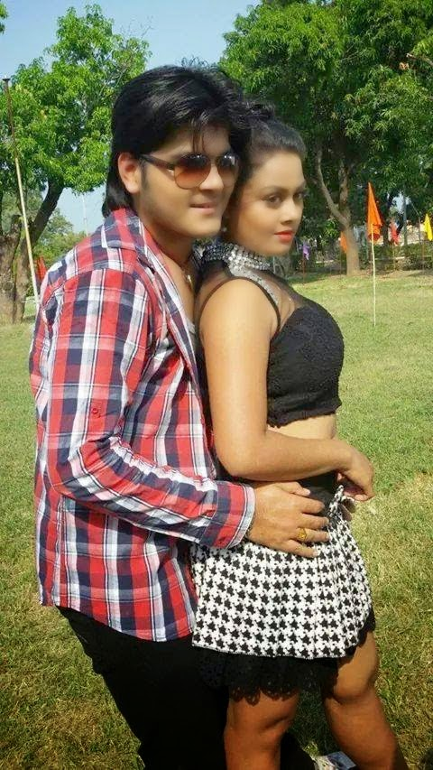 Arvind Akela Kallu & Tanushree Photo Shooting shooting still form Hukumat