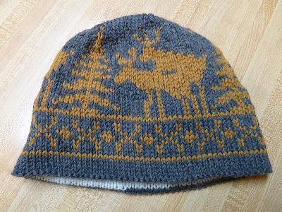Dog Antler Hat Knitting Pattern : DEER WITH ANTLERS HAT KNITTING PATTERN   KNITTING PATTERN