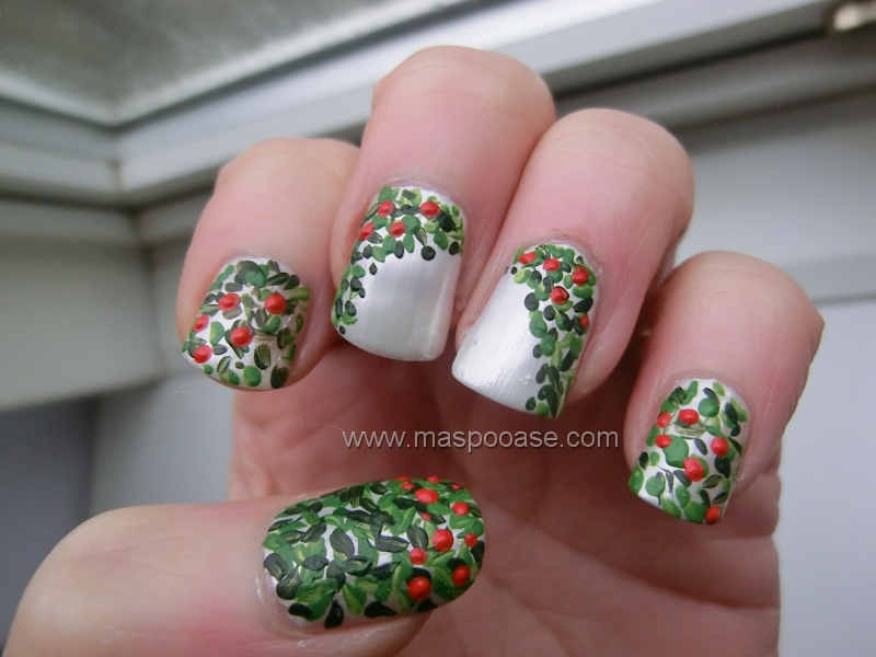 Maspooase christmas nail art challenge day 9 wreath and prinsesfo Image collections
