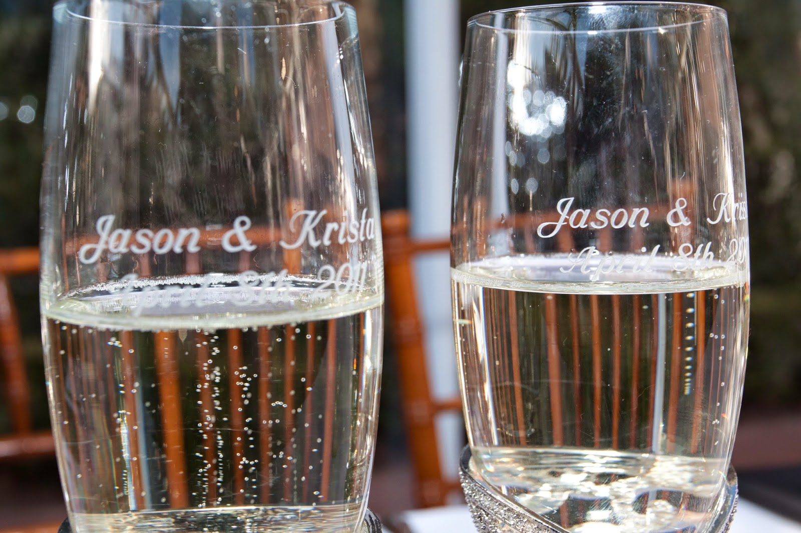 Save your champagne flutes from your wedding to bring out every year on your anniversary for a toast www.thebrighterwriter.blogspot.com #anniversarytradition