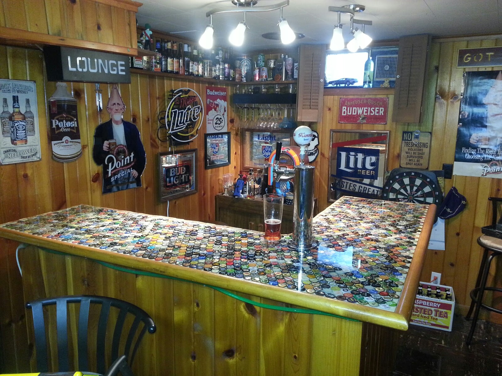 Bottlemark the bottle cap bar of dodge brewery for Beer cap bar top