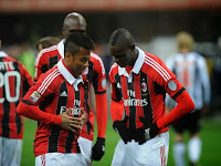robinho-balotelli-ajax-milan-champions-league