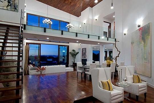 Rihanna's Home  $10,000,000