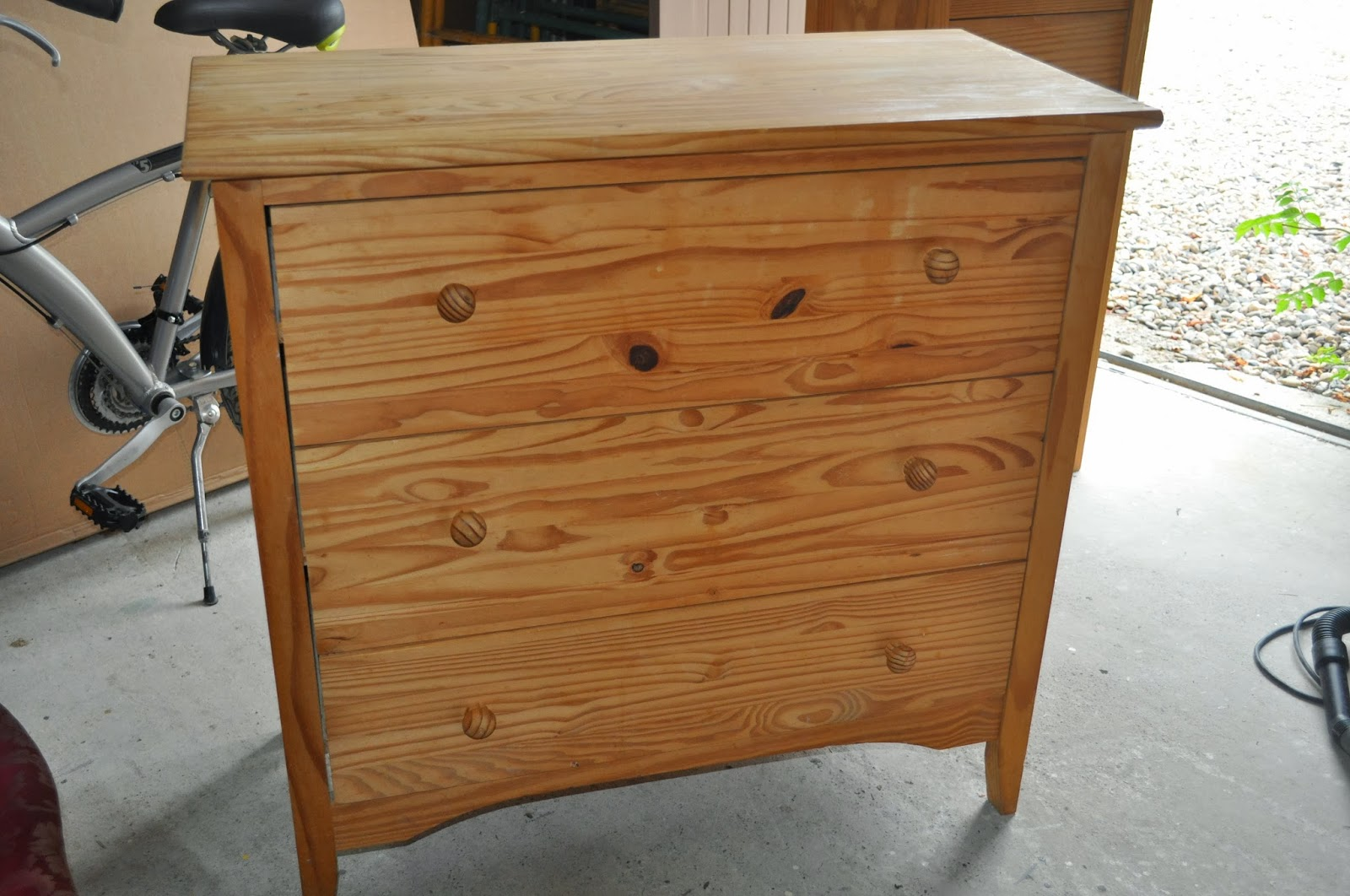 Bois et patines nathalie madrenes - Vieillir un meuble en pin ...