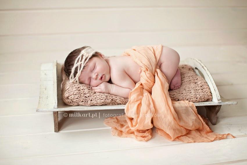 sesje zdjęciowe niemowlaków, fotografia noworodkowa,artystyczne zdjęcia dzieci, fotograf noworodków Joanna Jaśkiewicz