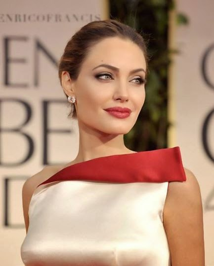 Angelina Jolie thinks that her mother is a better parent than her