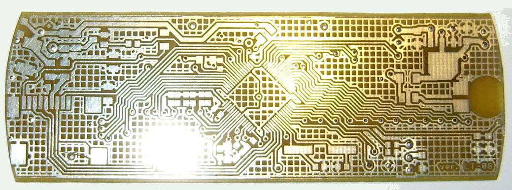 Płytka PCB po procesie cynowania.