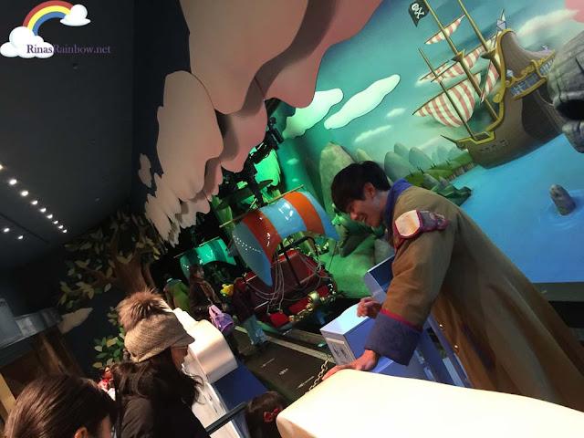 Tokyo Disneyland Peter Pan