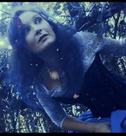"I'm a prisoner: i NovelToy nel mondo di ""Alice nel labirinto"""