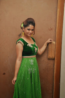 Anchor Shilpa Chakravarthy Latest Pictures (2).jpg