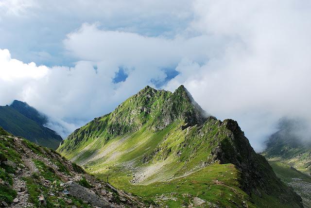 Between clouds transfagarasan