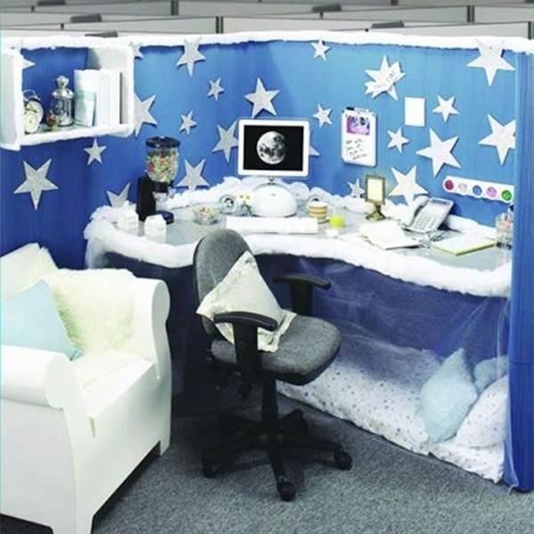 ruang kerja sekaligus tempat tidur