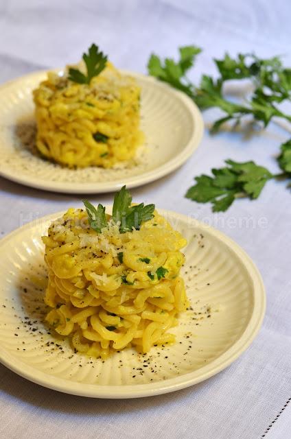 hiperica_lady_boheme_blog_di_cucina_ricette_gustose_facili_veloci_spaghetti_con_salsa_all_uovo_1