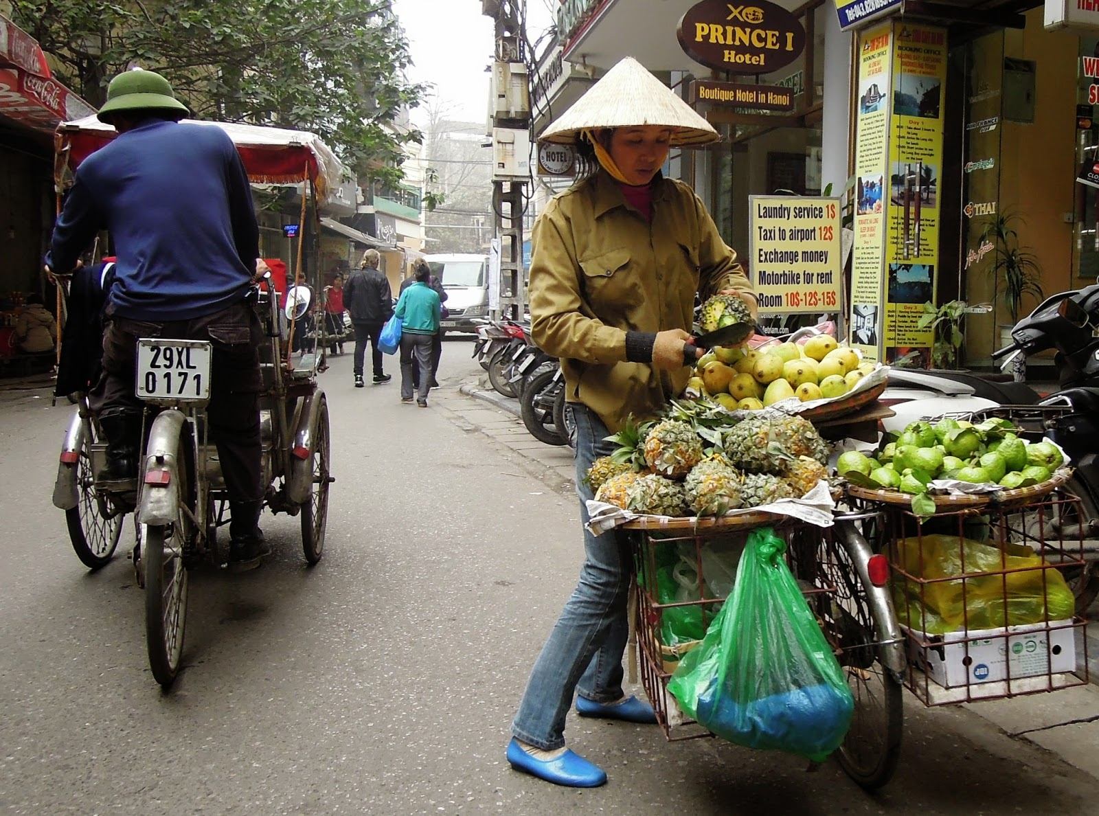 pedicab, fruit seller, Hanoi
