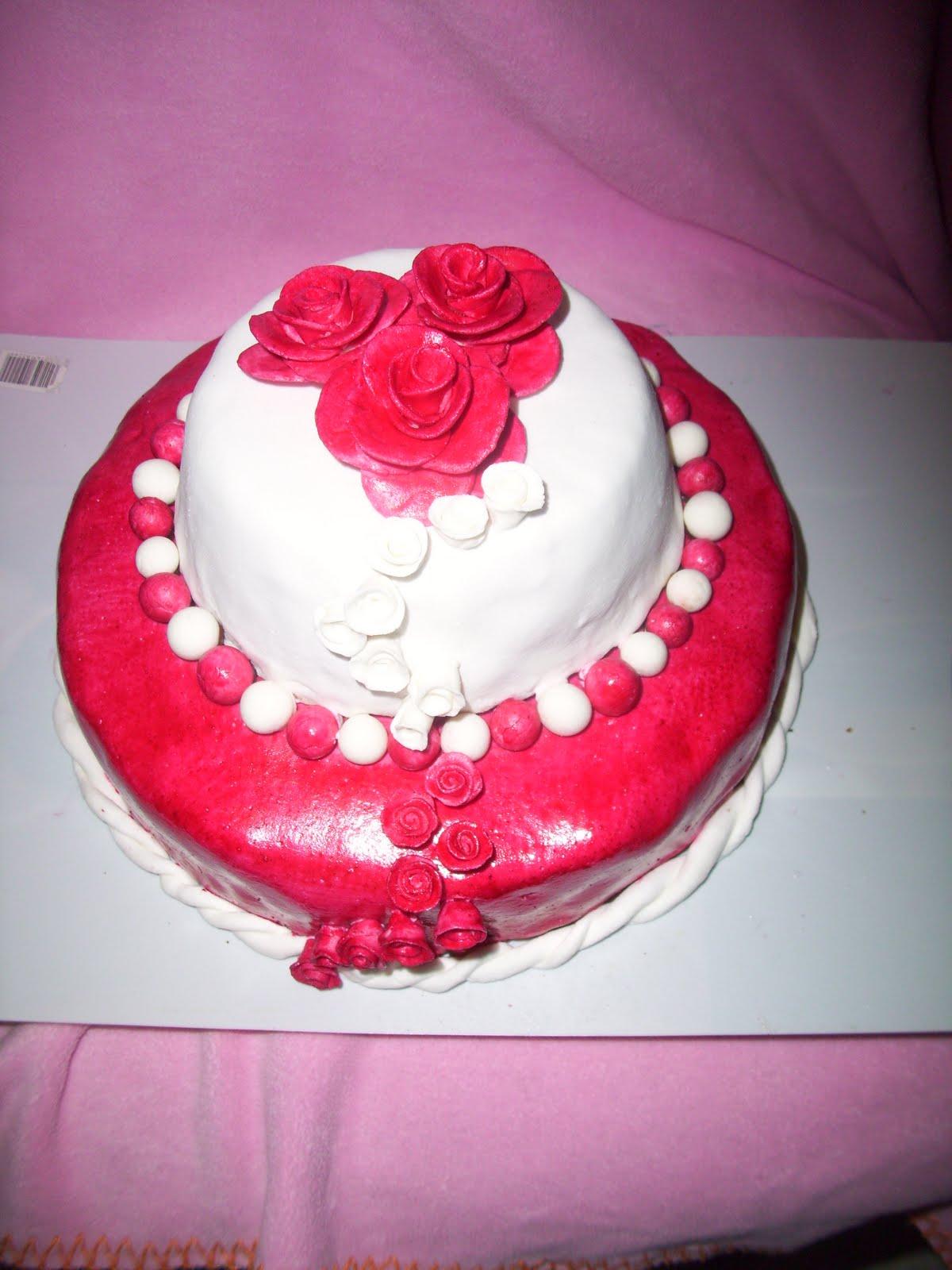 le rouge plutot fushia fonc en ralit t ralis en peigant ma pte sucre avec du colorant alimentaire liquide avec un pinceau - Colorant Alimentaire Rose Fushia