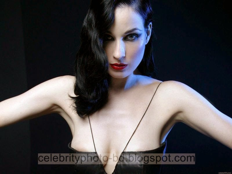 Dita+Von+Teese+Latest+Hot+Photos+With+Short+Biography011