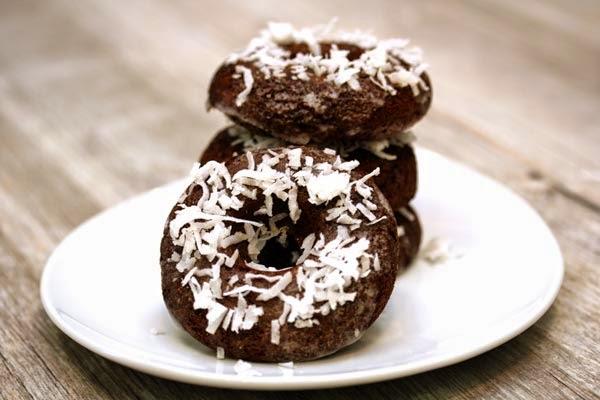 almond-flour-chocolate-doughnuts