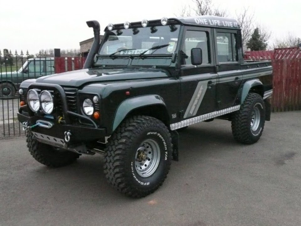 2014 Land Rover Defender Wallpapers