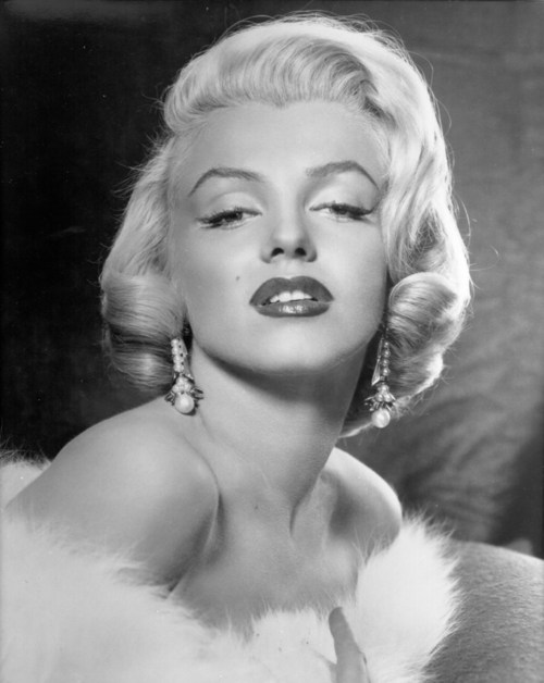 Marilyn monroe again more beautiful black white portrait photos