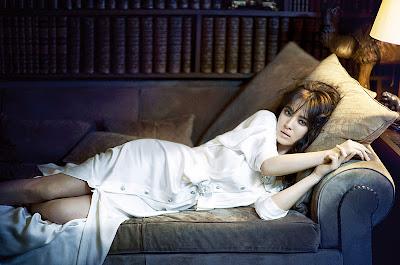 http://4.bp.blogspot.com/-WUqoGcdBD8g/TwdK_PiJEhI/AAAAAAAADA4/MjeMqvgRAlE/s1600/Song+Hye-kyo+by+Oh+Jung+Seok+%2528The+Modern+Lady+-+Vogue+Korea+December+2011%2529+2.jpg
