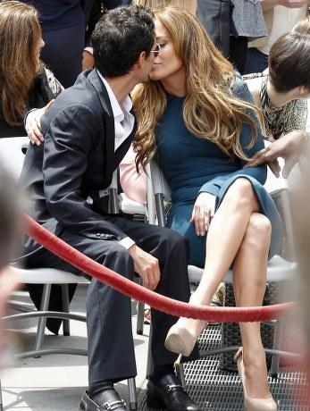from Omar jennifer lopez hot kiss