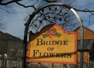 http://www.commonweeder.com/2011/11/28/bridge-of-flowers/