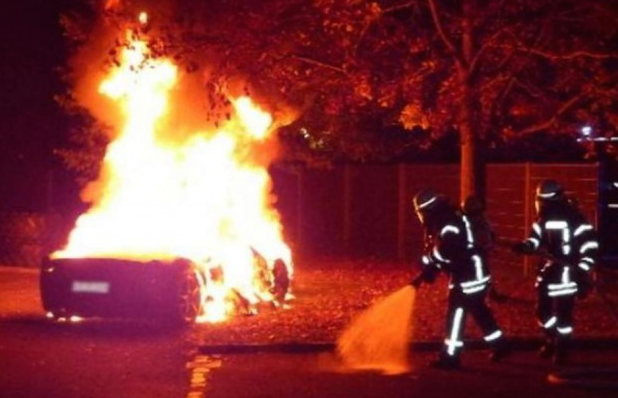 ferrari 458 dibakar