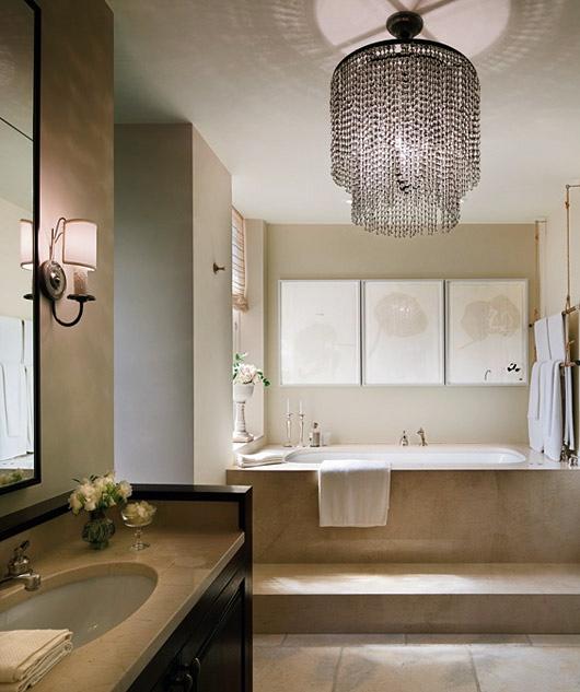 Diseno De Baños Lujosos:Beautiful Bathroom with Chandelier