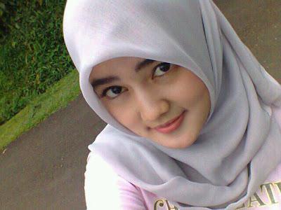 galery foto gadis cantik bertundung hijab   beritakapan